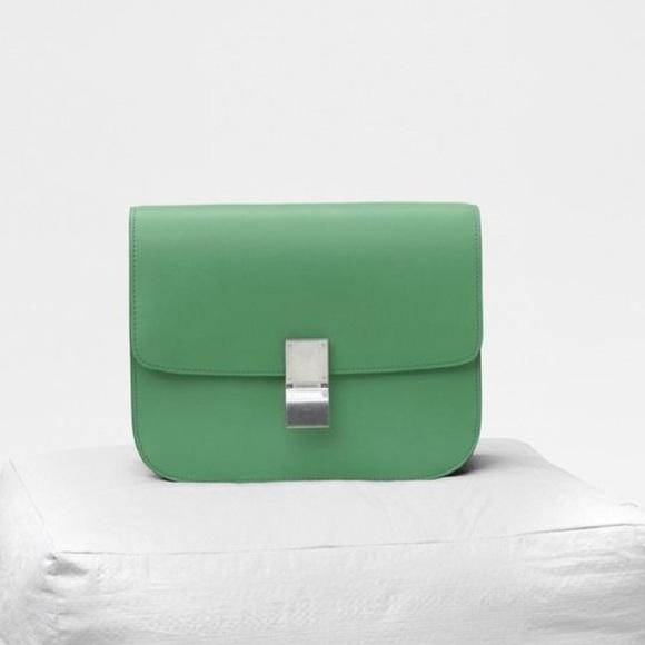 2f8c813132a5 Celine Handbags - Auth Celine Classic Medium Box Bag Crossbody